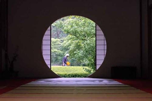 明月院・丸窓